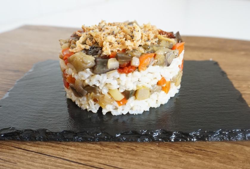 Timbal de arroz integral y verduras listo!