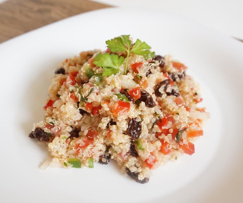 Taboulé oriental de quinoa con pasas